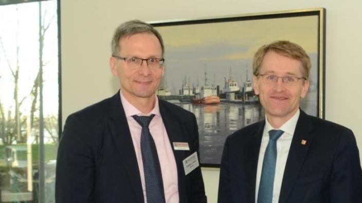 MIT-Chef Christian Fuchs und Ministerpräsident Daniel Günther