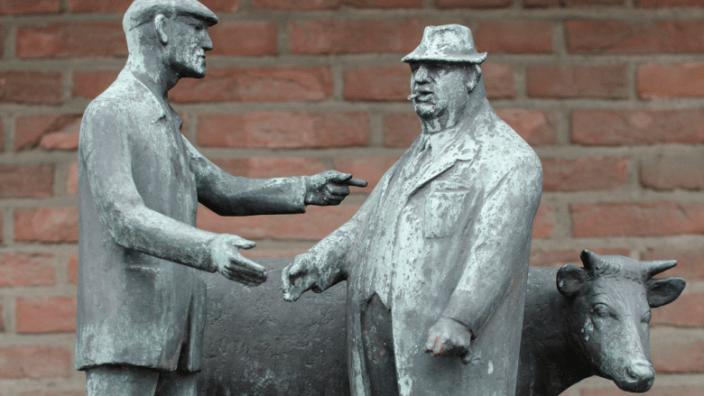Ochsenmarkt-Skulptur am Roland